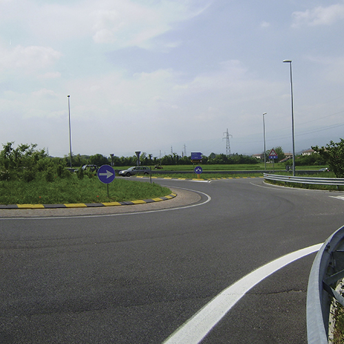Road connection of the local industrial areas to the highway A28